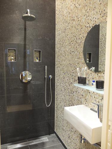20170409&105221_Klein Toilet Badkamer ~  nl images 1301650616 24420 JPG  Badkamer  Pinterest  Vans